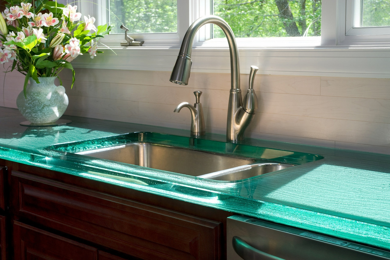Best Kitchen Sink Material In Tasteful Style Plus Modern Steel Faucet And Gl Countertops Pretty