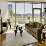 classic-sharp-living-room-small-apartmen