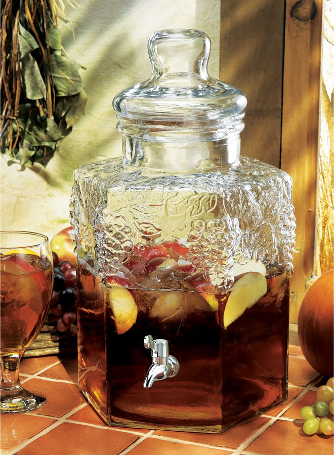Cubic Gl Beverage Dispenser With Metal Spigot In Stylish Design Wine And Yummy Fresh