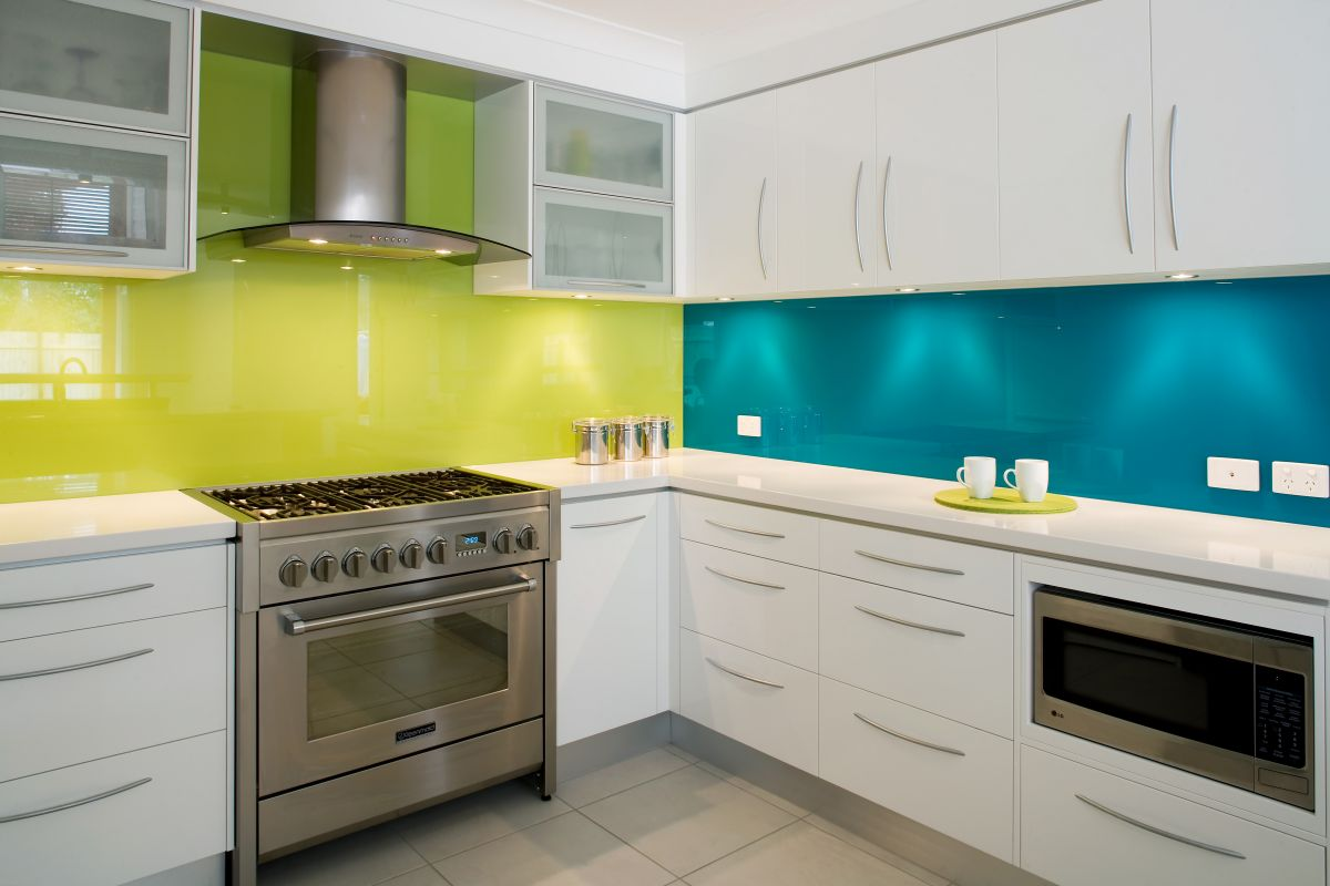 Color Your Modern Minimalist Kitchen With Soft Light Acrylic