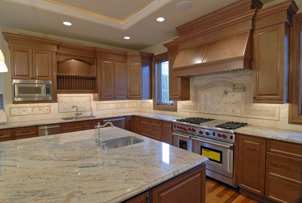 Choose The Best Marble Countertop Design For Your Kitchen Cabinetry