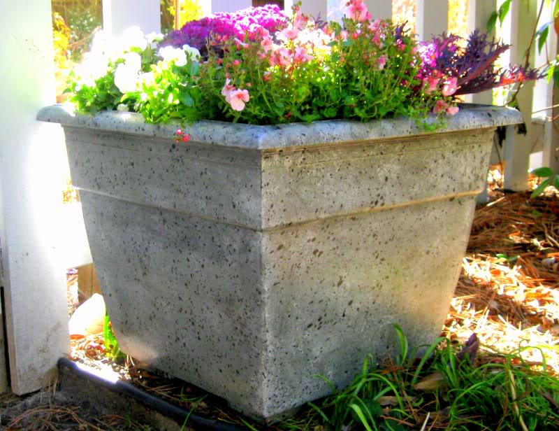 Concrete Planter Boxes Touch Your Outdoor Space With