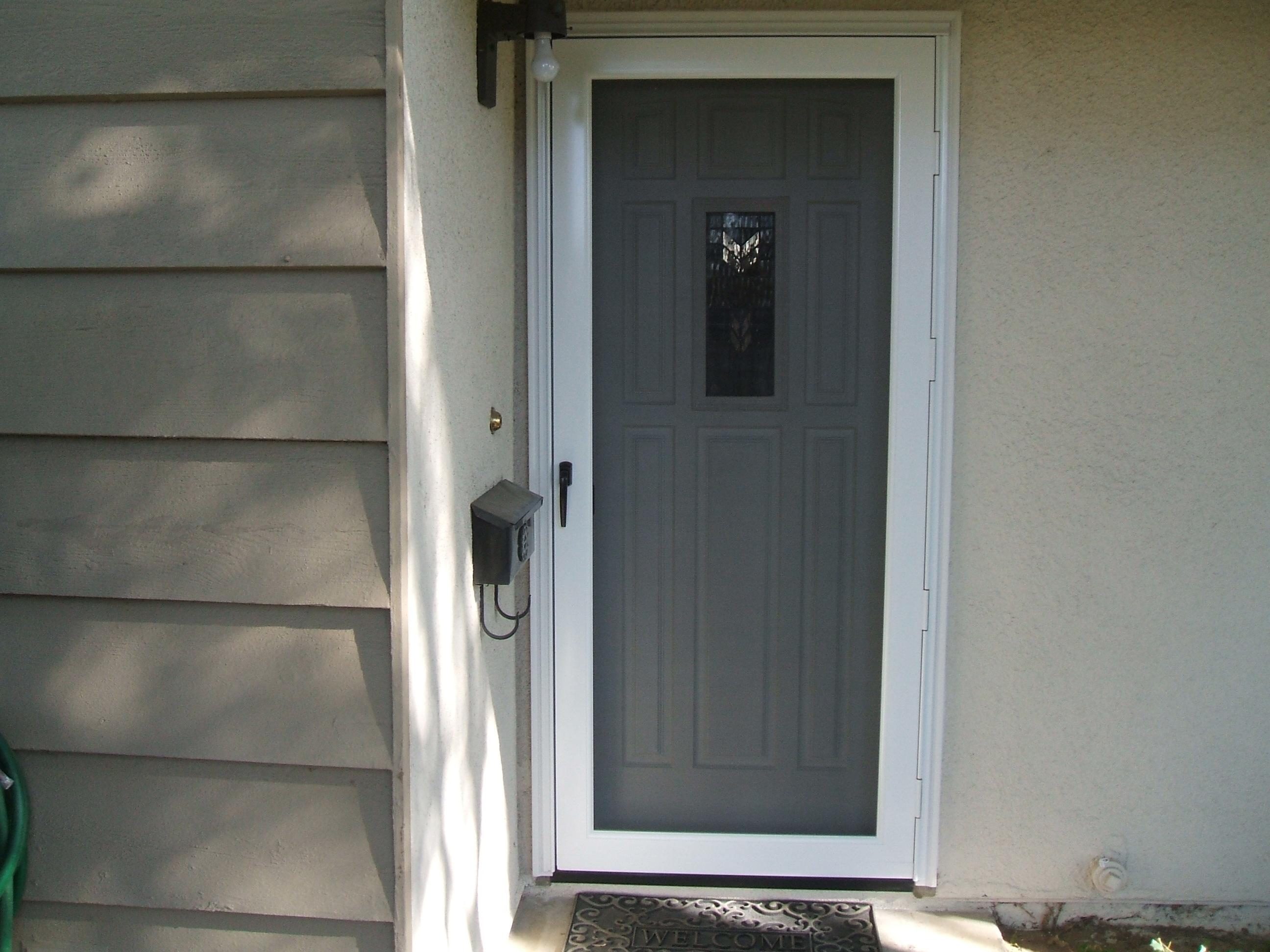 Unique Home Designs Screen Doors: Buying Guide | HomesFeed