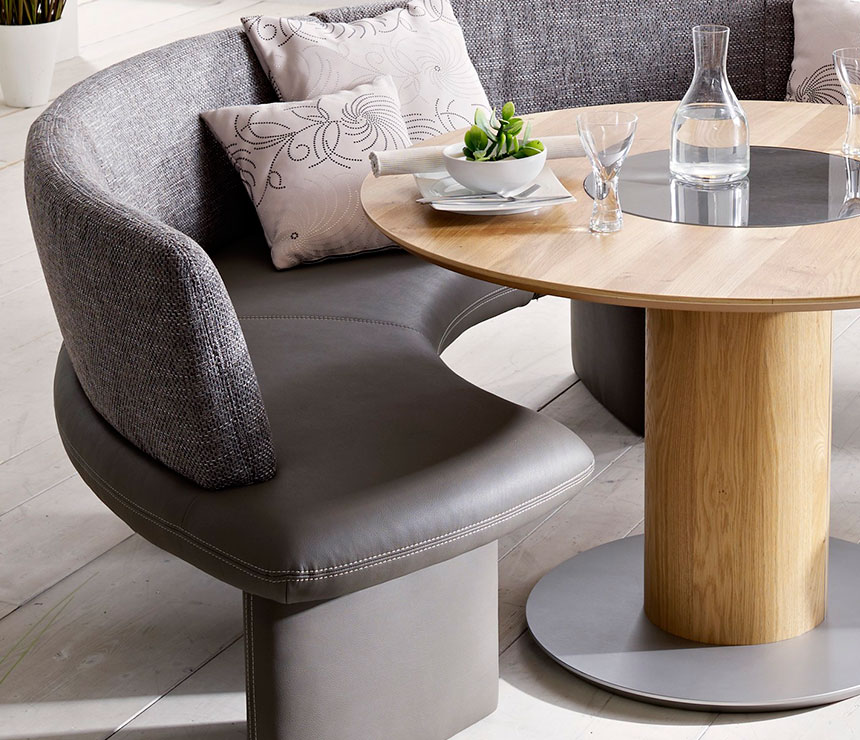 Dinette Bench Seating: Intimate And Affectionate Dining Atmospheres With Curved
