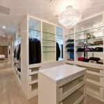Luxurious crystal pendant lamp for garments closet organizers