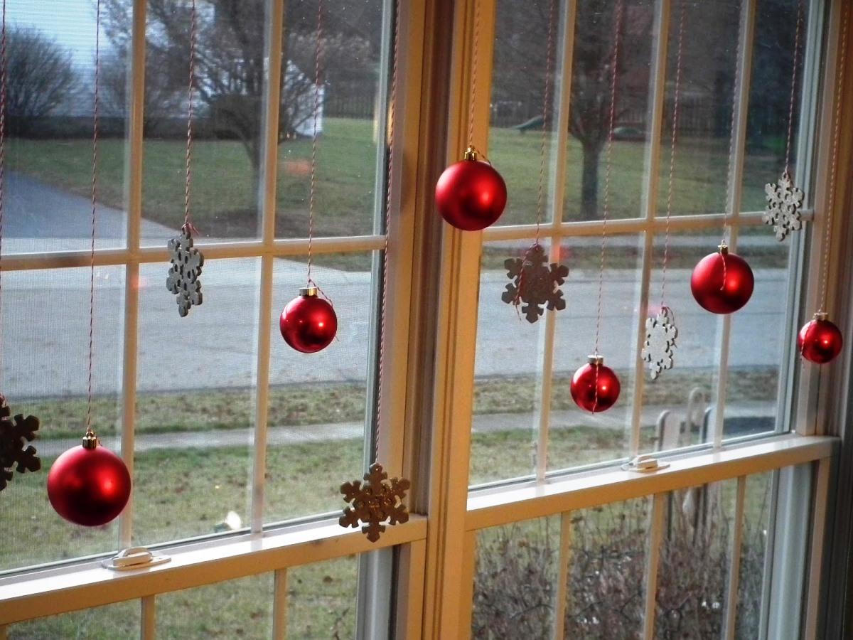 Christmas window decorating ideas