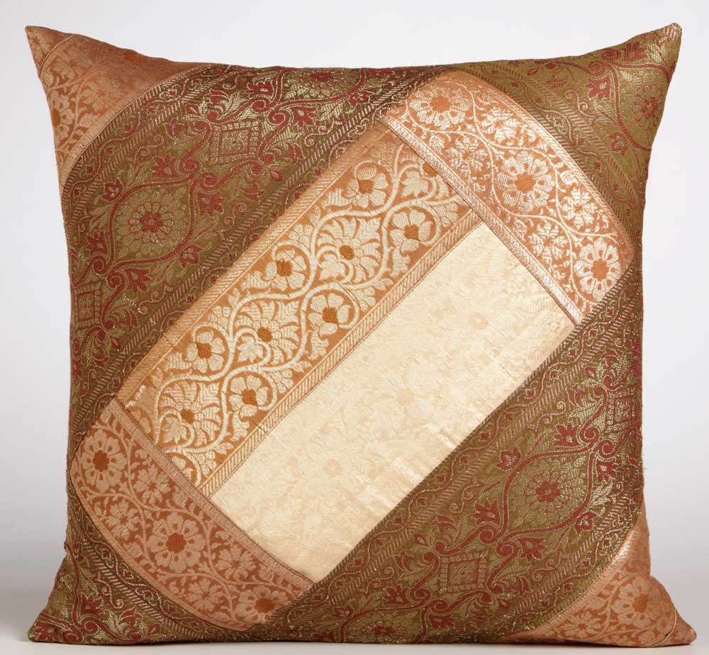 change sofa look onlybeautifying it with throw pillow ideas Couch Pillow Patterns