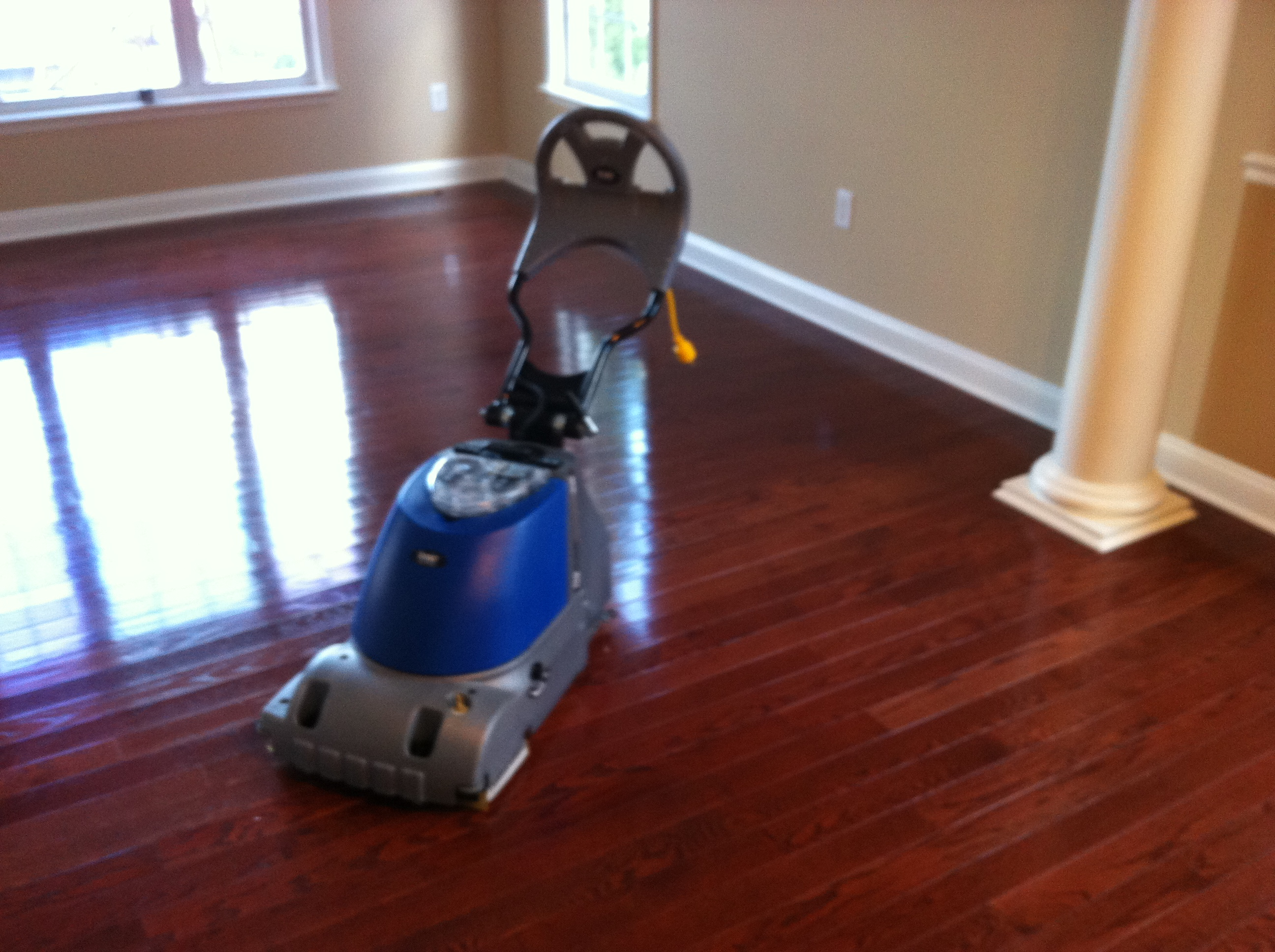Let S Choose The Best Thing To Clean Hardwood Floor With