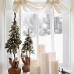 simple but elegant window decoration idea for Christmas