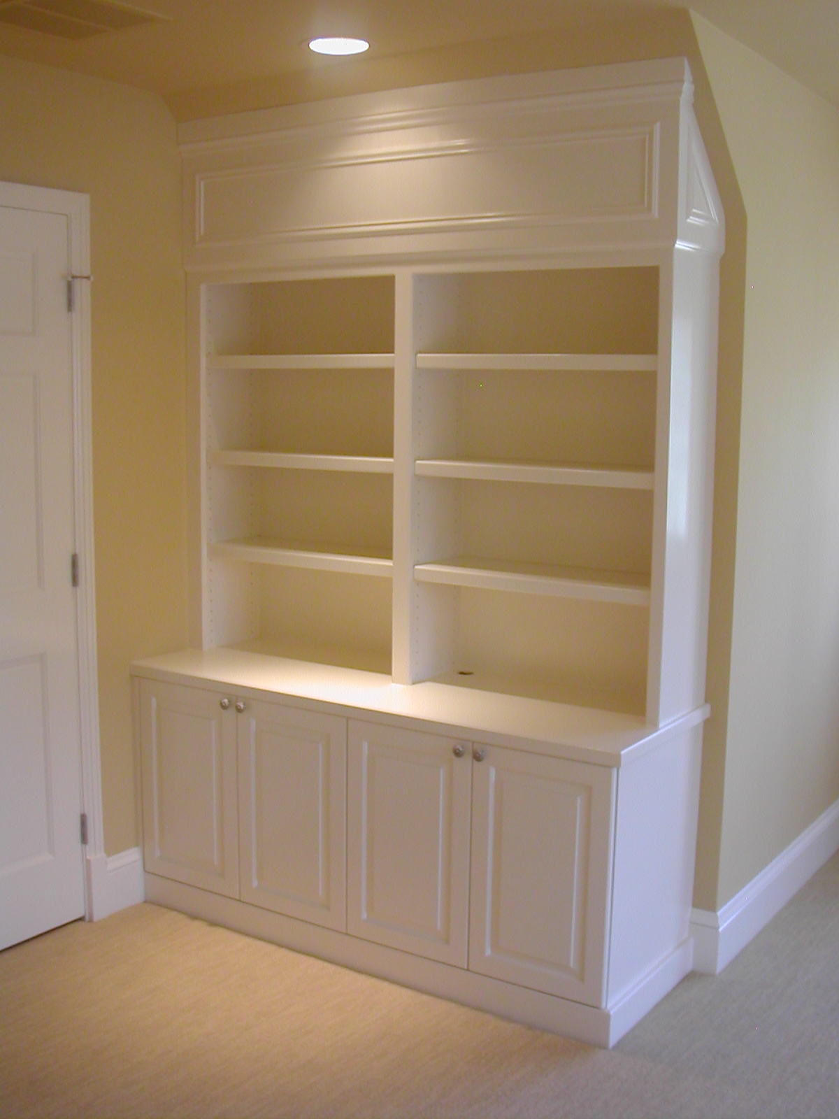 Built in cabinet ideas homesfeed for Shelves and cabinets