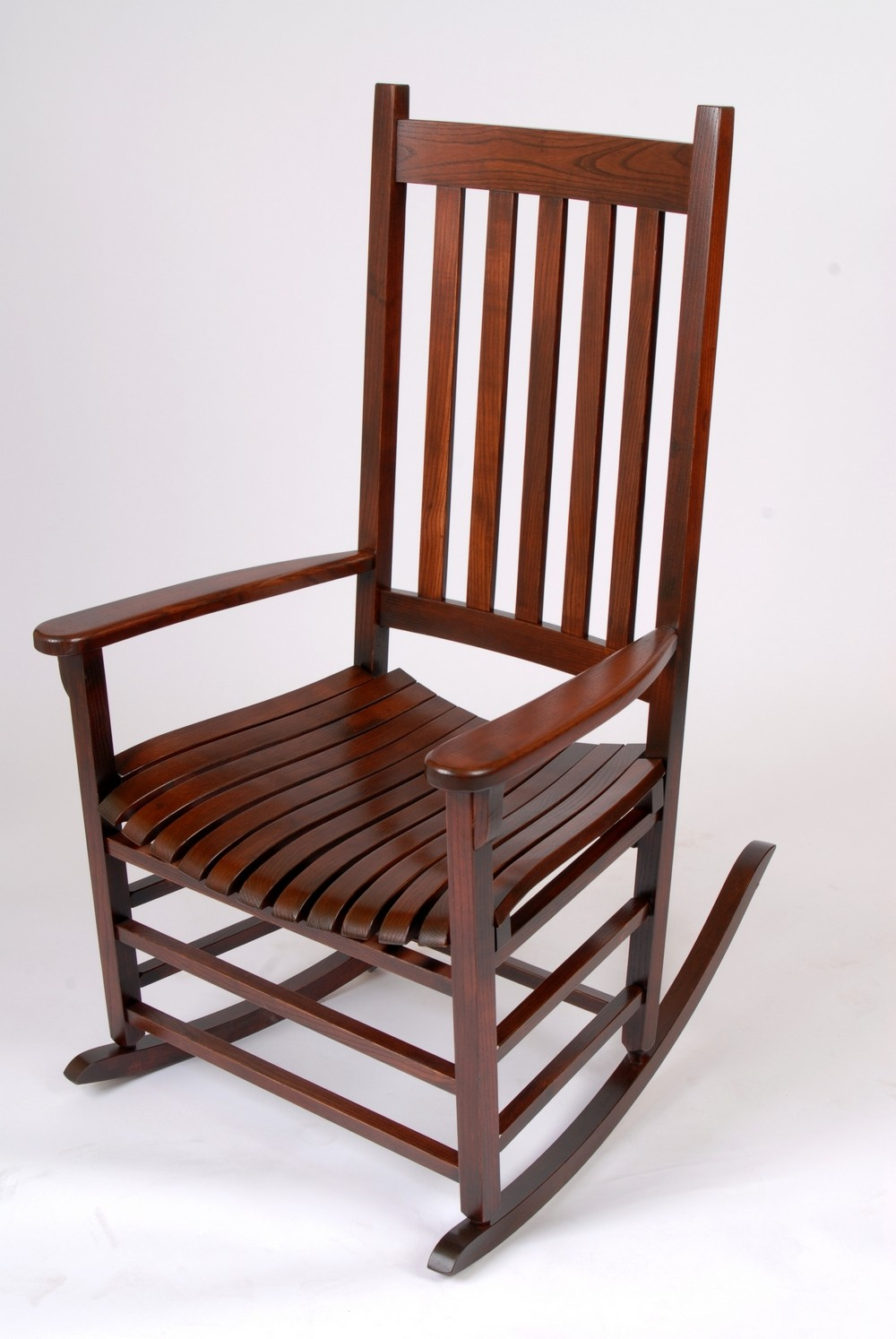 Mission style rocking chair history and designs homesfeed for Rocking chair design plans