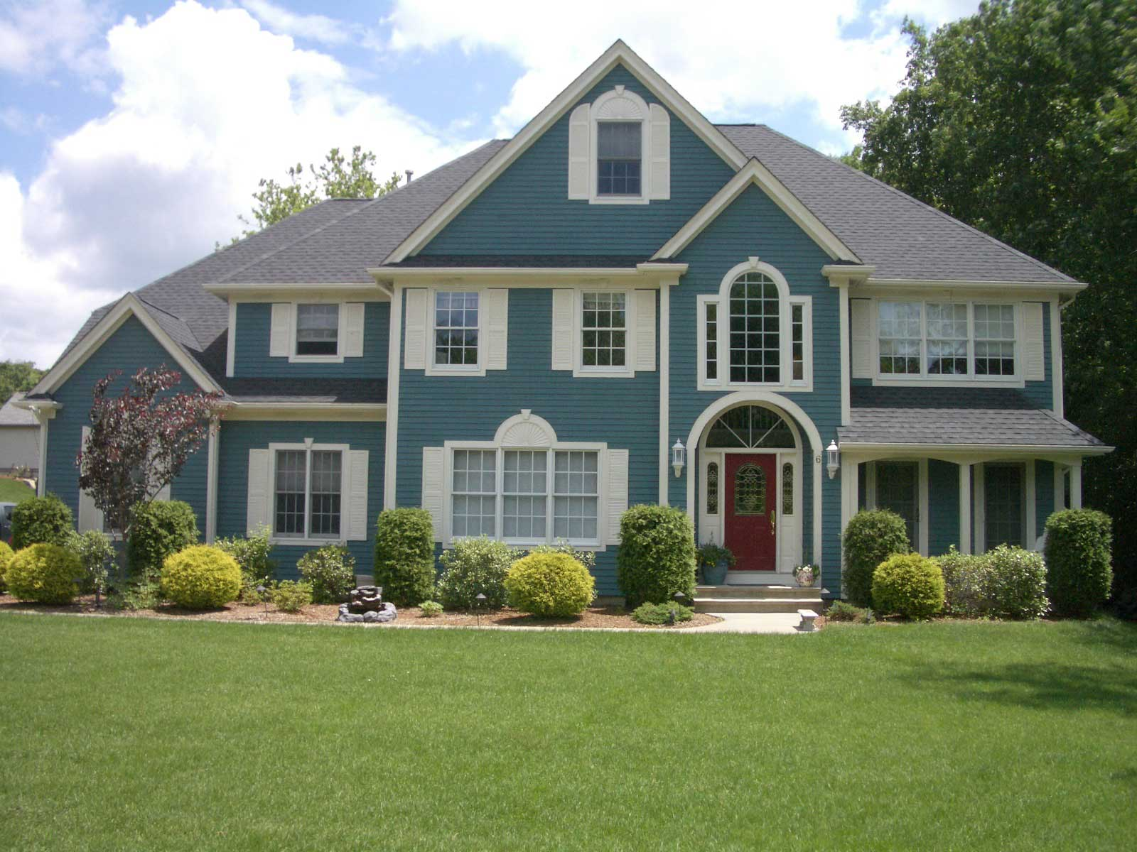 Most Popular Exterior House Colors - HomesFeed on House Painting Ideas  id=19872