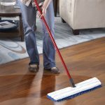O-Cedar 138000 double-sided mop with dual action of wet and dry hardwood mopping red pole