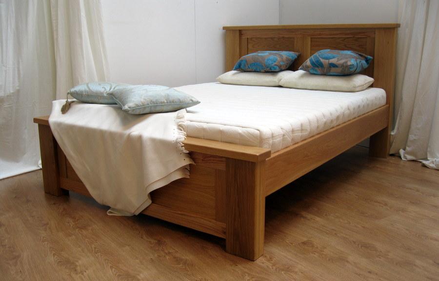 Simple Wood Bed Frame Ideas | HomesFeed