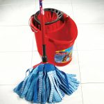 Vileda SuperMocio Floorboards mop for wood floors red mopping bucket red blue mop for wood floors
