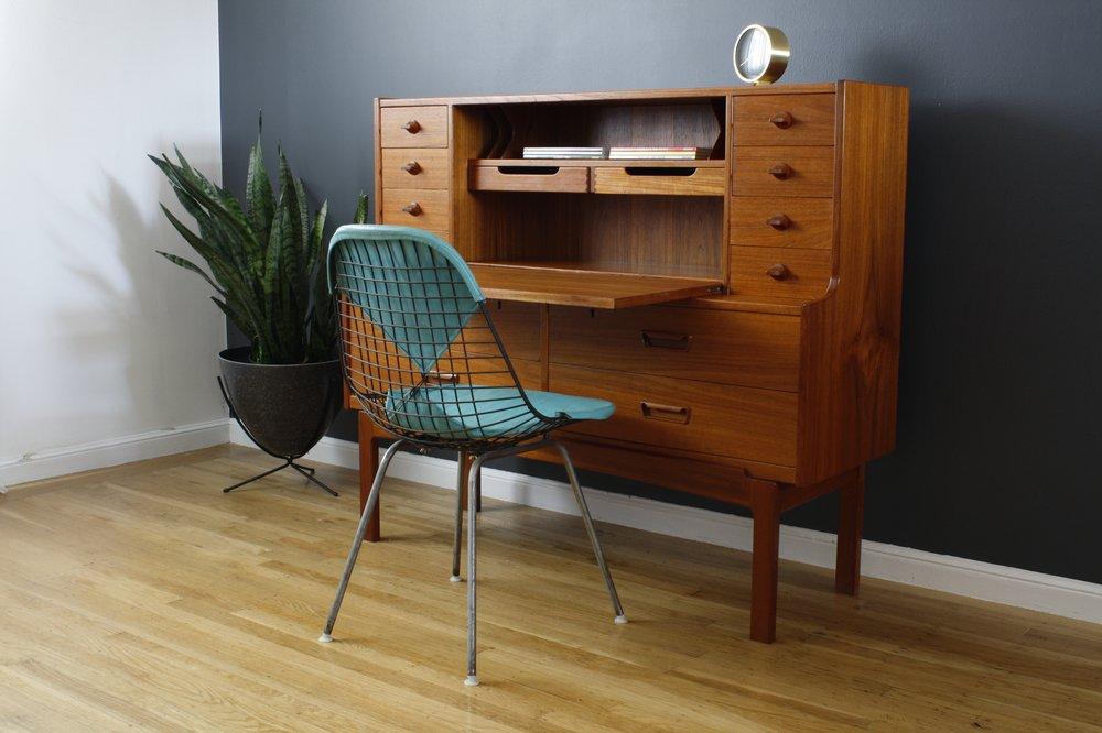 Mid Century Secretary Desk Fits Office With Elegant Hunter