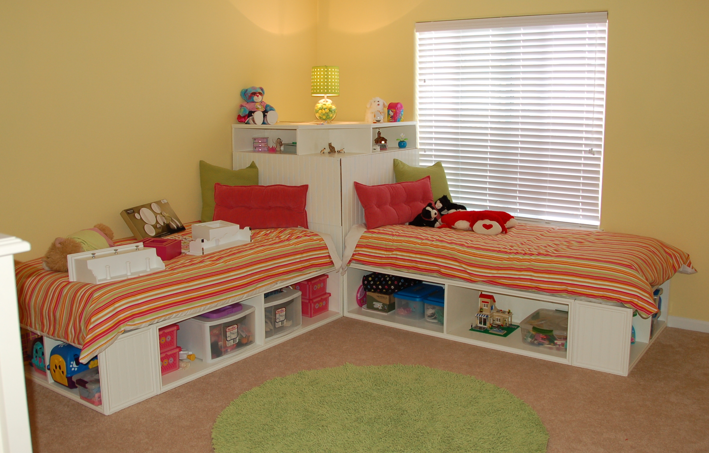 Contemporary Children Twin Beds With Storage Homesfeed Corner Group White Bed Within Renovation Jpg 2402x1536