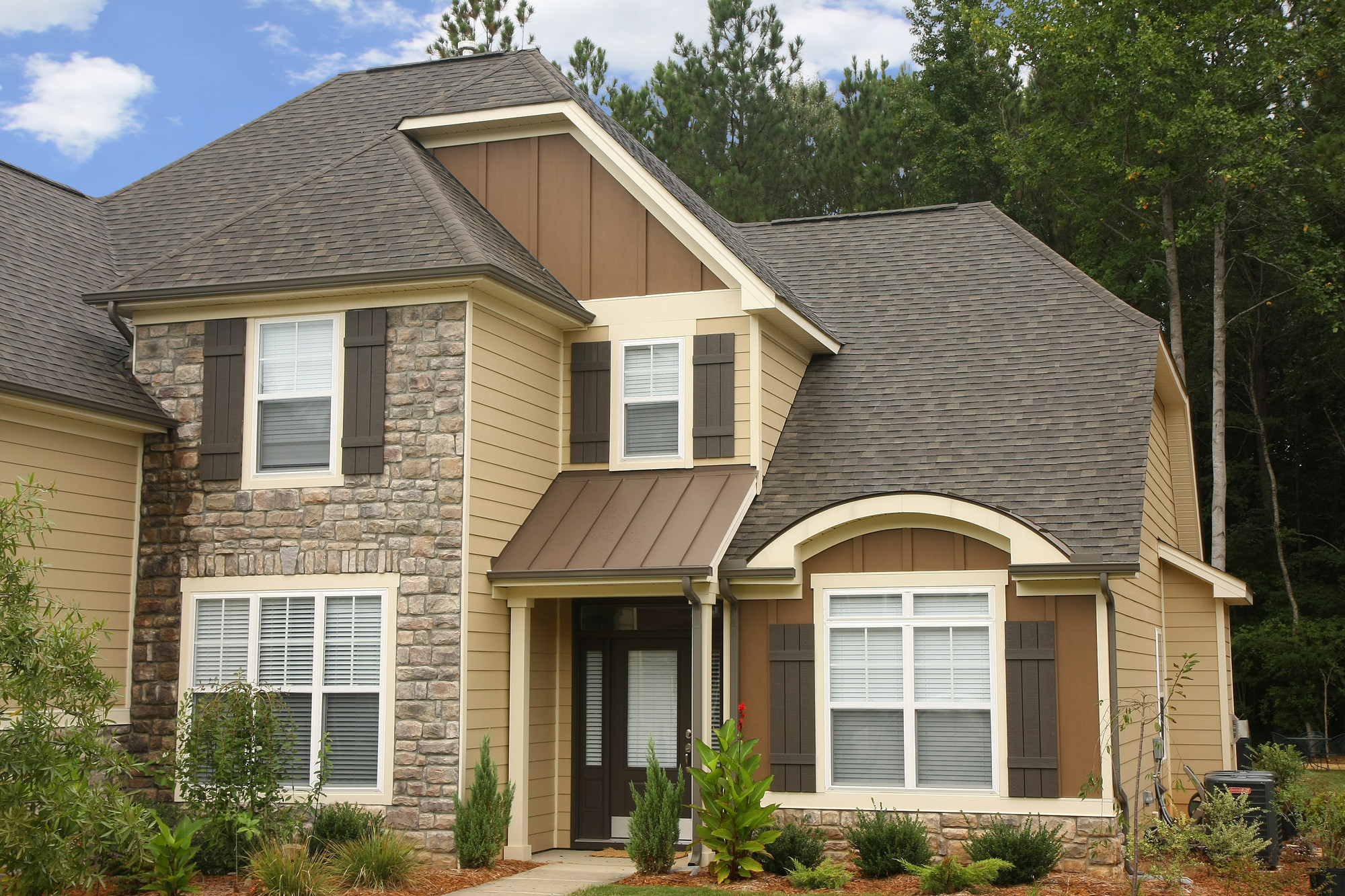 Most popular types of siding for homes homesfeed for Natural home plans
