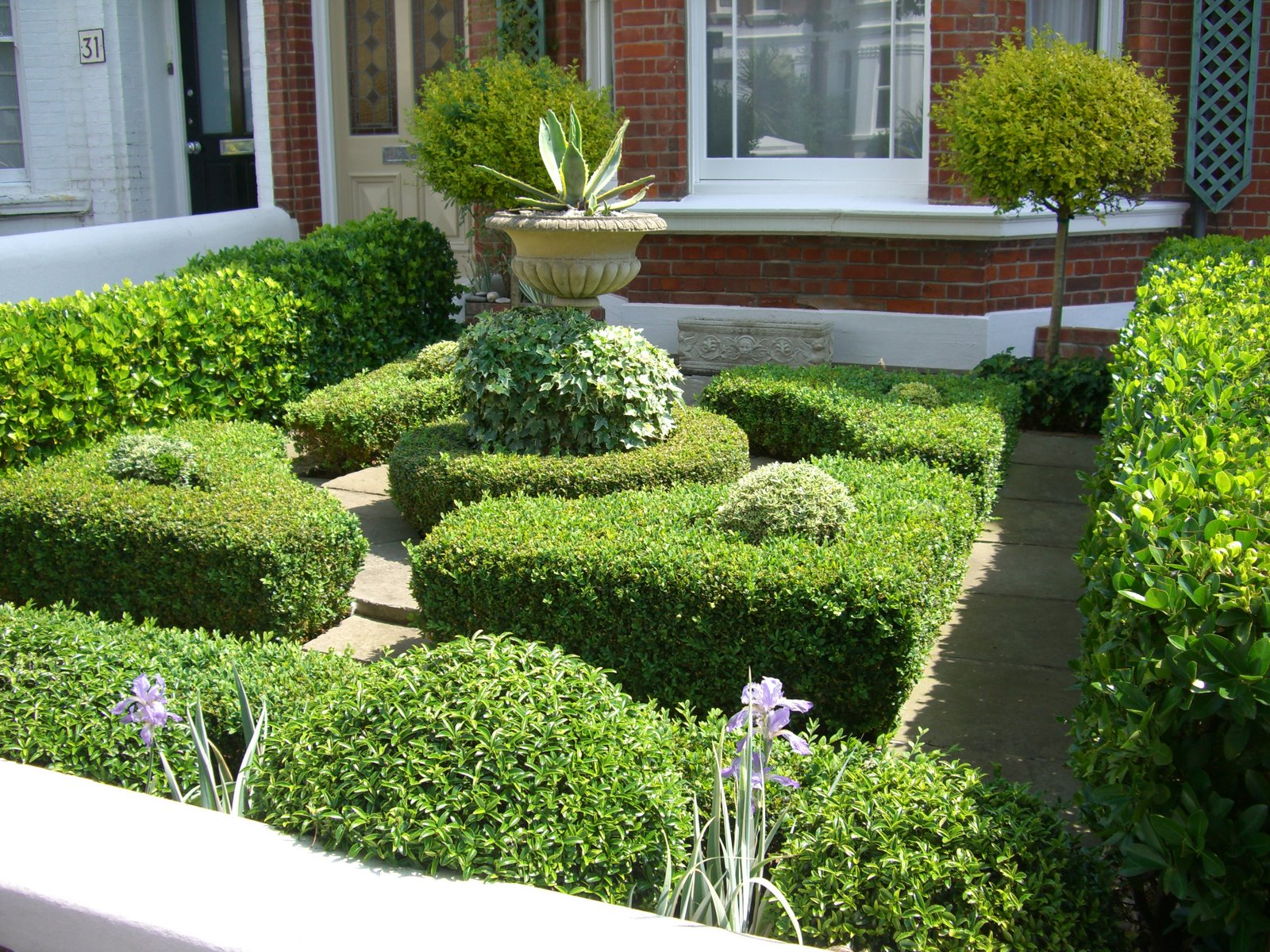 Garden Home Landscape Ideas - HomesFeed