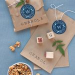 granola simple wedding gifts ideas which is cheap but creative