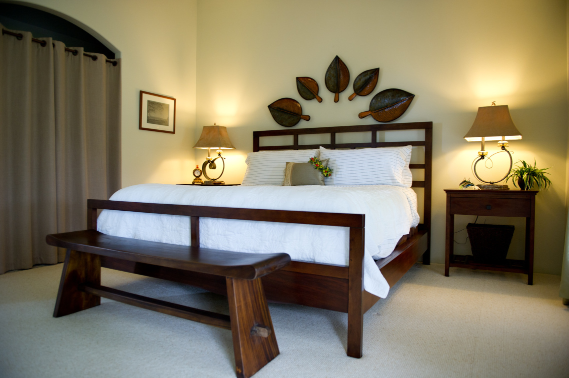 playing with benches for end of bed - homesfeed