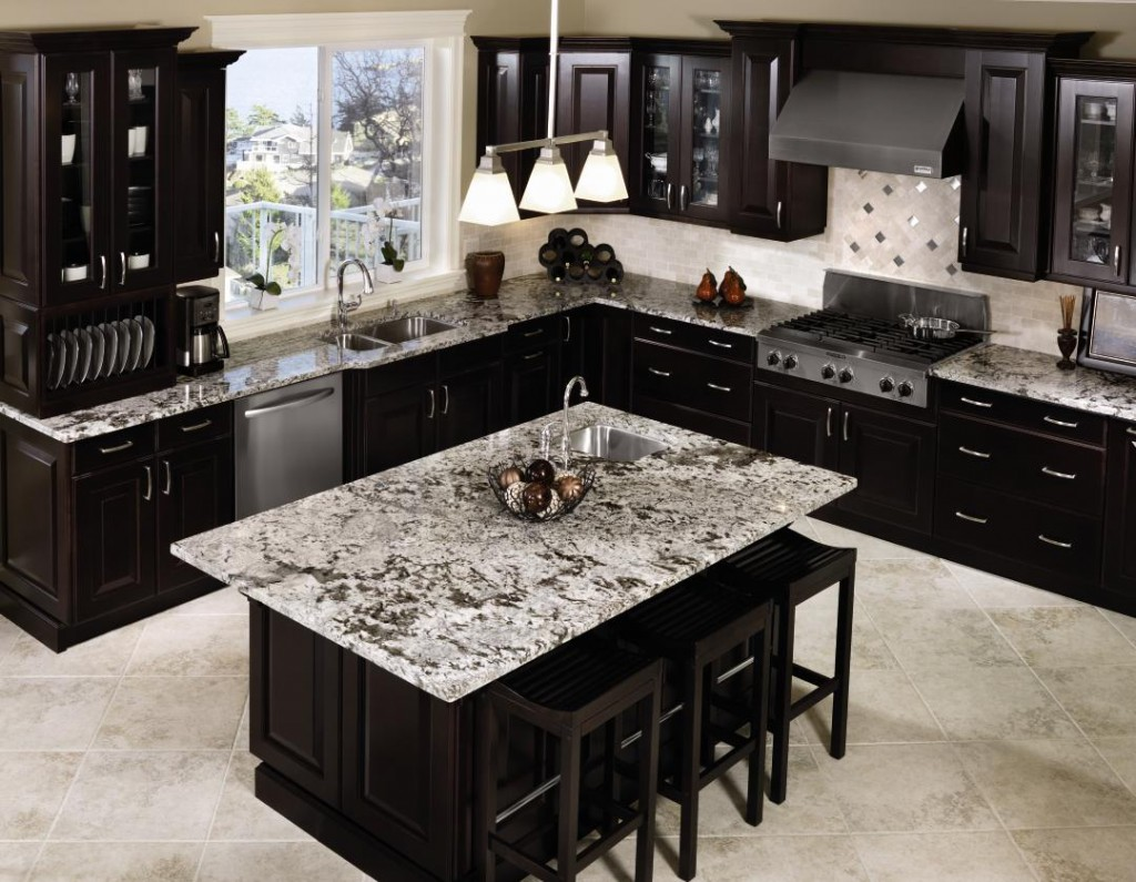 Gorgeous Inspiring Images of Granite Countertops - HomesFeed on Black Granite Countertops Kitchen  id=16620