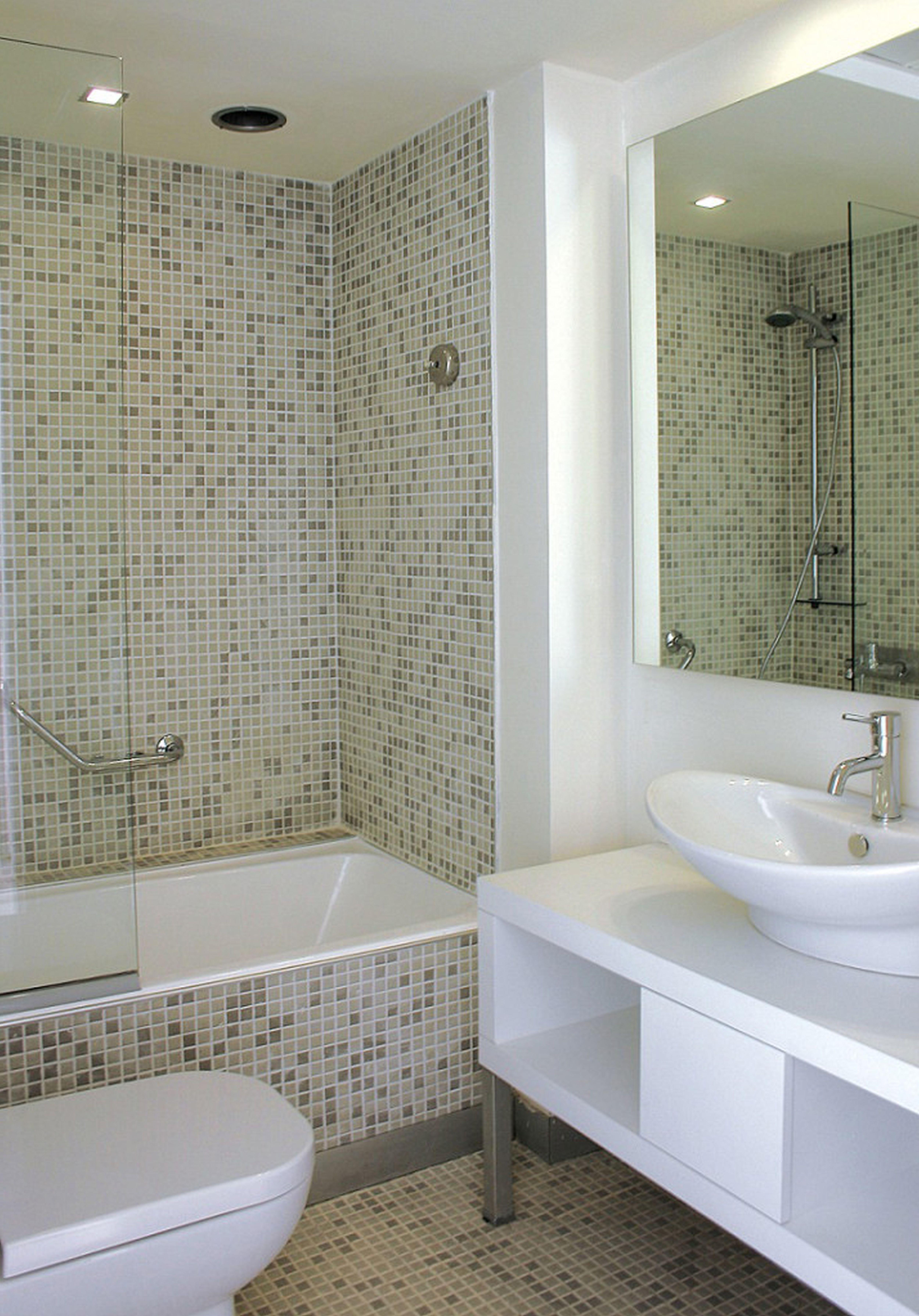 Small Bathroom Space Ideas - HomesFeed on Small Space Small Bathroom Ideas Small Space Toilet Design id=69732