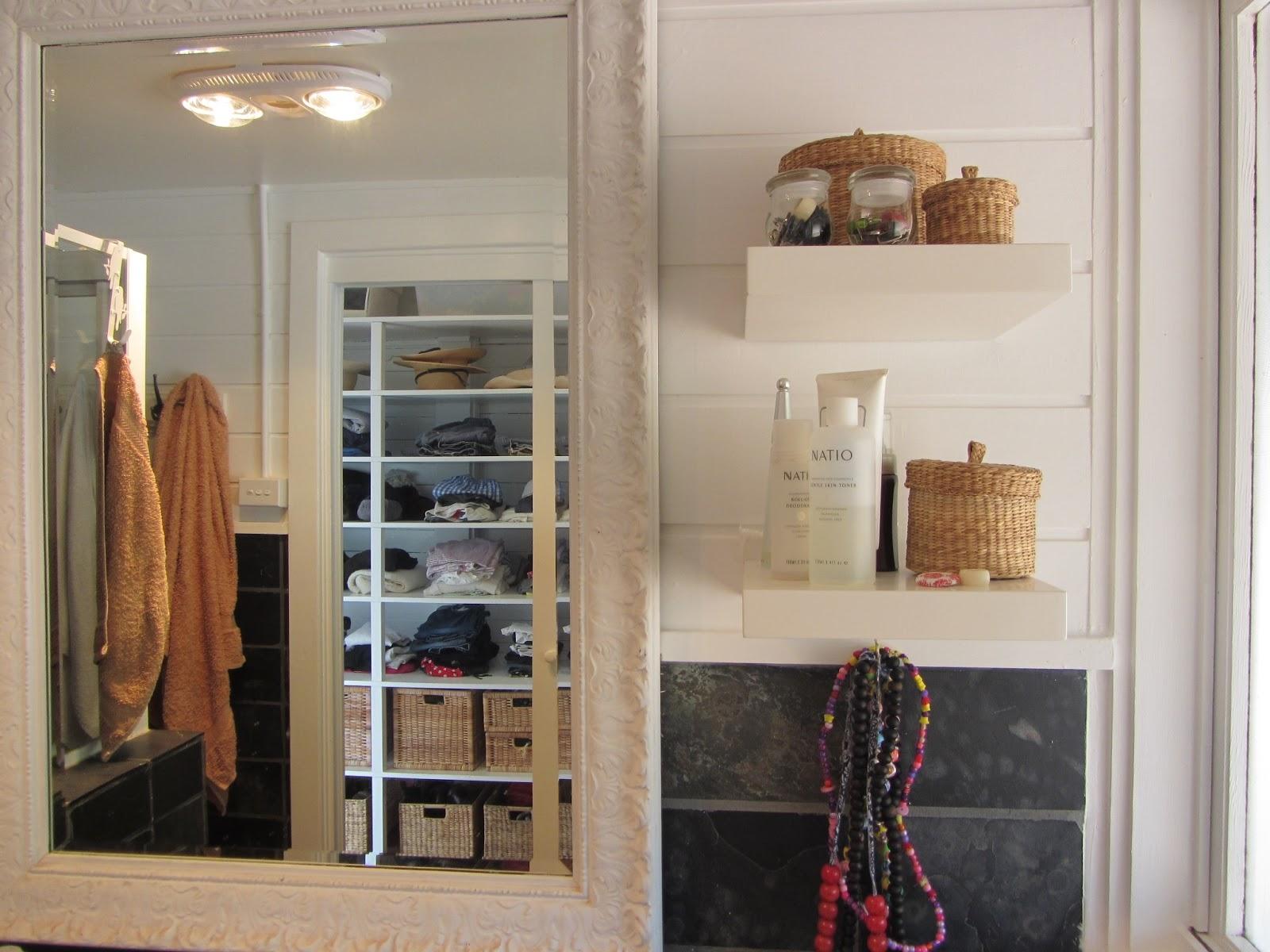 Mirror Lamps Shampoo Desk Towel Wall