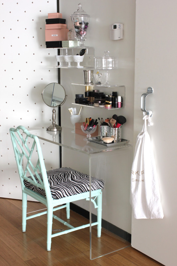 DIY Makeup Organizing Ideas for Simple but Stylish ... on Makeup Room Ideas  id=41244