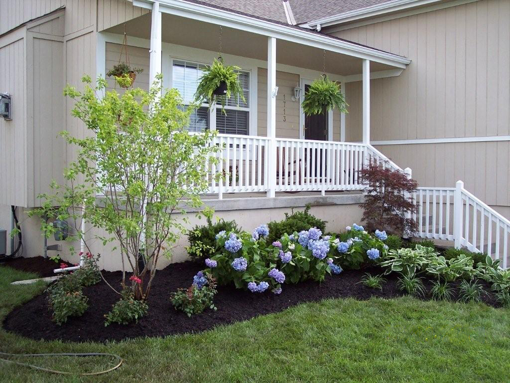Black And White Bedroom Decorating Ideas Learn The Good Ideas To Apply Best Mulch For Landscaping