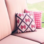 Beautiful decorative pillows for pink porch couch