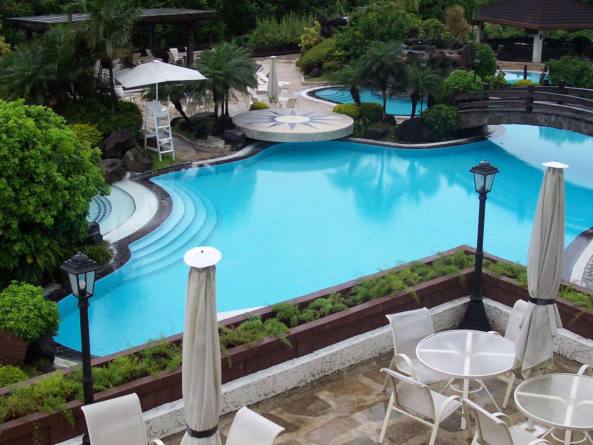 Beautiful Pools Design Ideas | HomesFeed