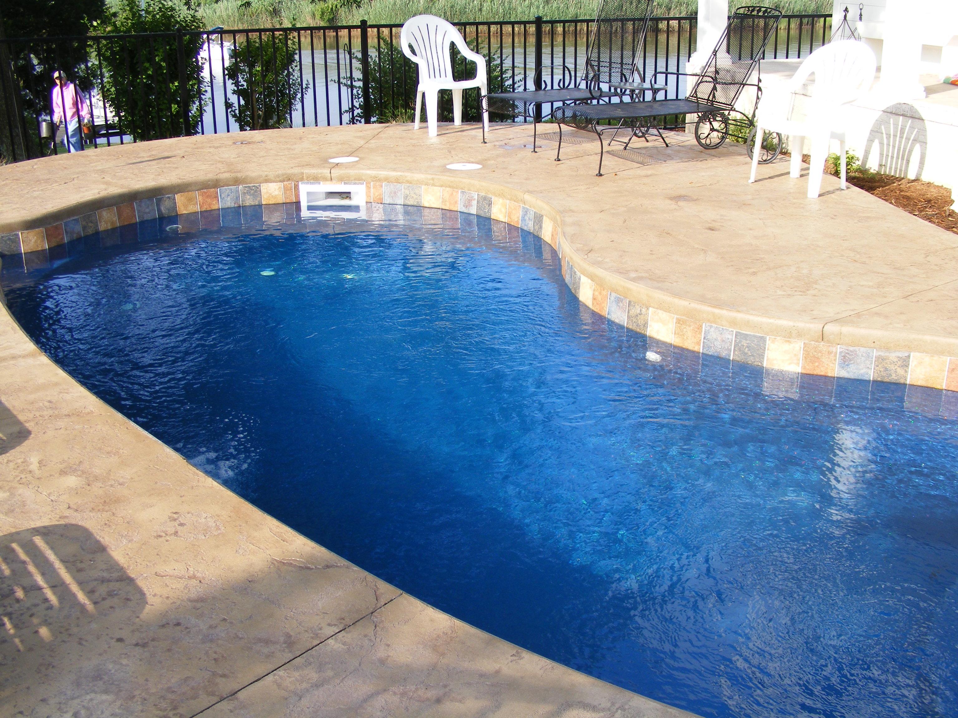 Swimming Pool Fibreglass Ideas | HomesFeed