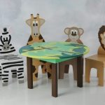 Kids table and chairs with animal theme