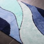Modern and soft bathroom rug with multiple colors