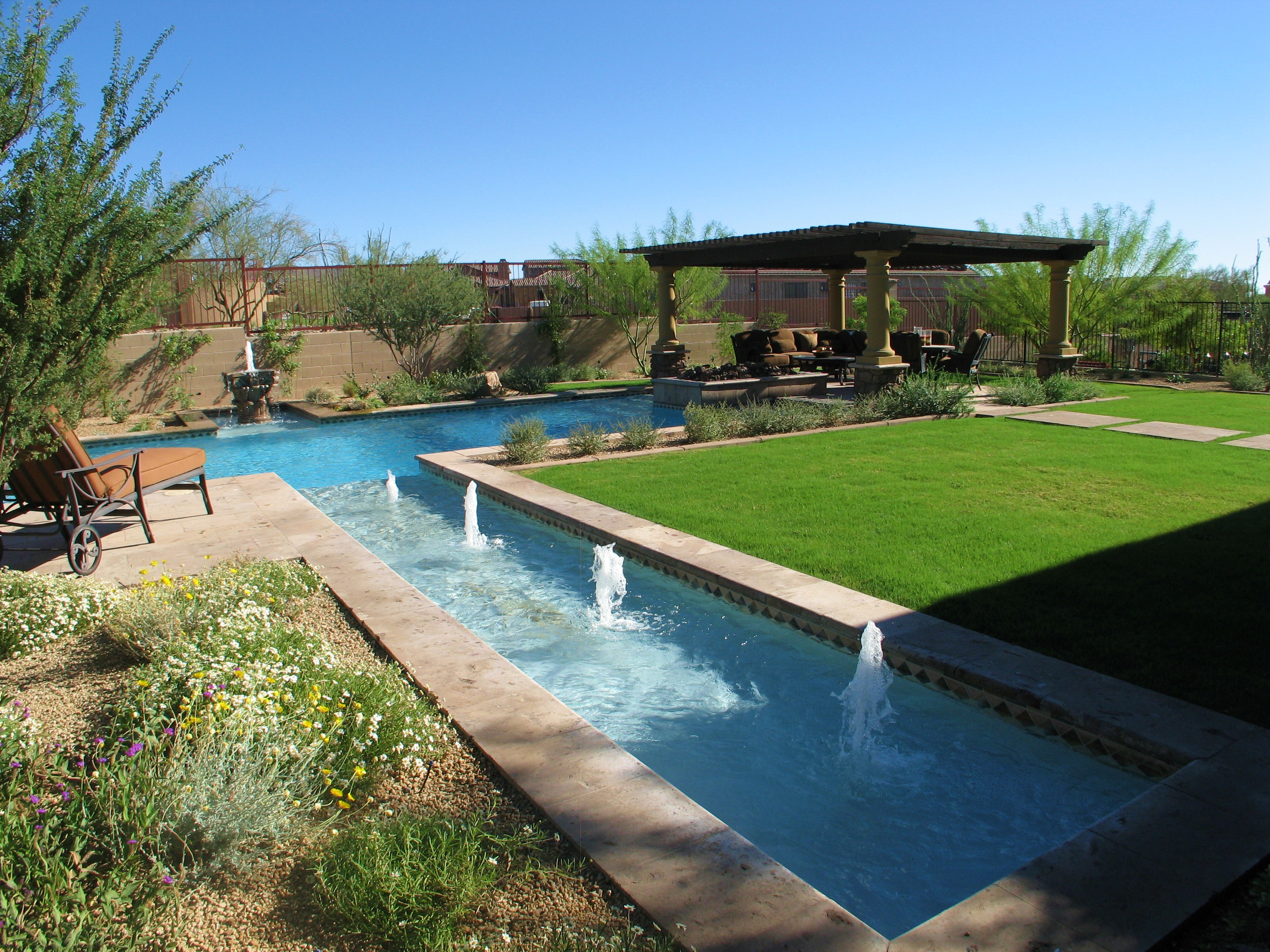 Beautiful Pools Design Ideas - HomesFeed on Backyard Inground Pool Landscaping Ideas id=43570
