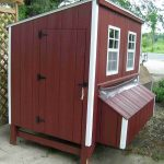 Red Marun Wooden Chicken Coop