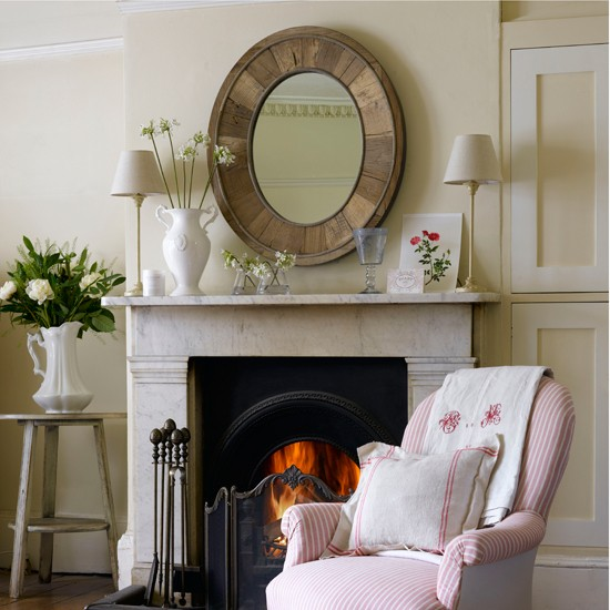 Mirrors over fireplace decoration ideas homesfeed for Unique mantel decor