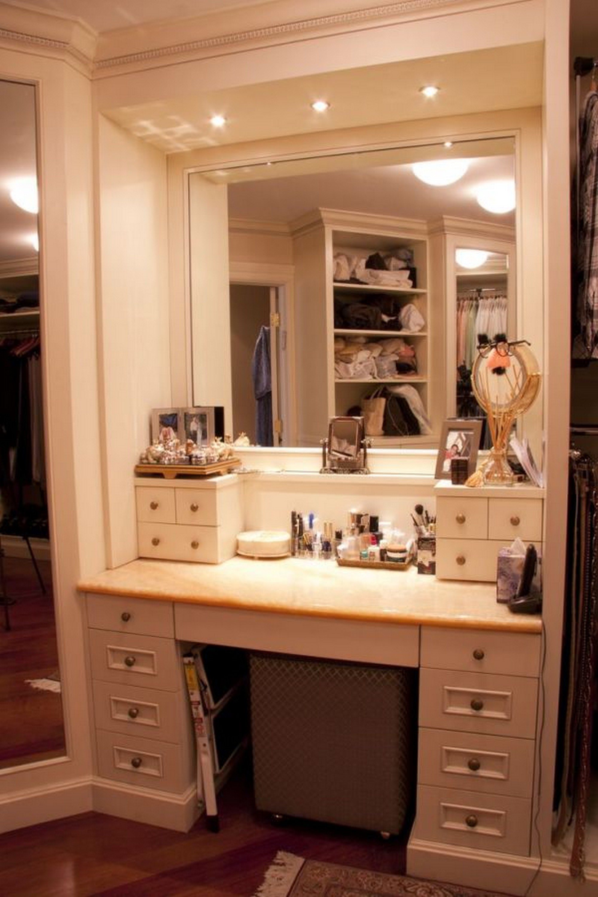 White Wooden Makeup Vanity With Drawers And Square Mirror