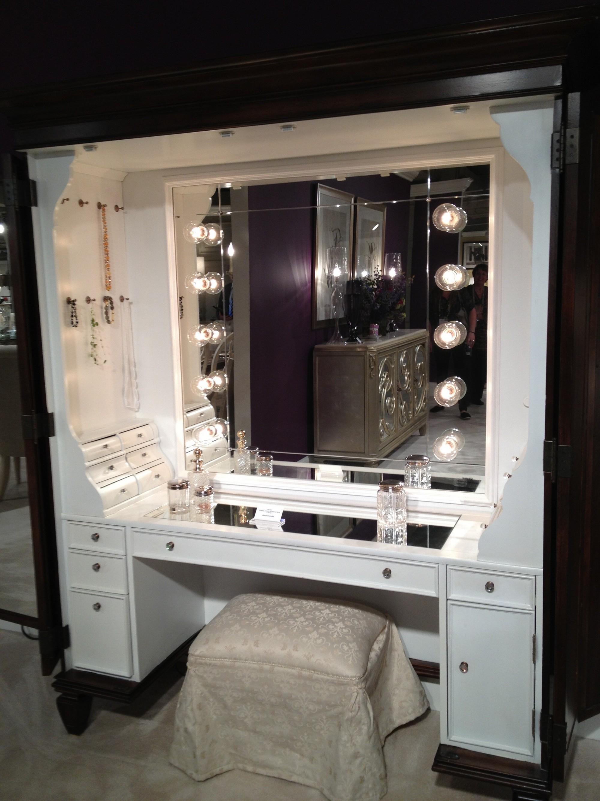 Makeup Vanity Table with Lights - HomesFeed