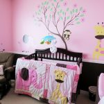 Zoo Theme Of Baby Room With Awesome Wallpaper