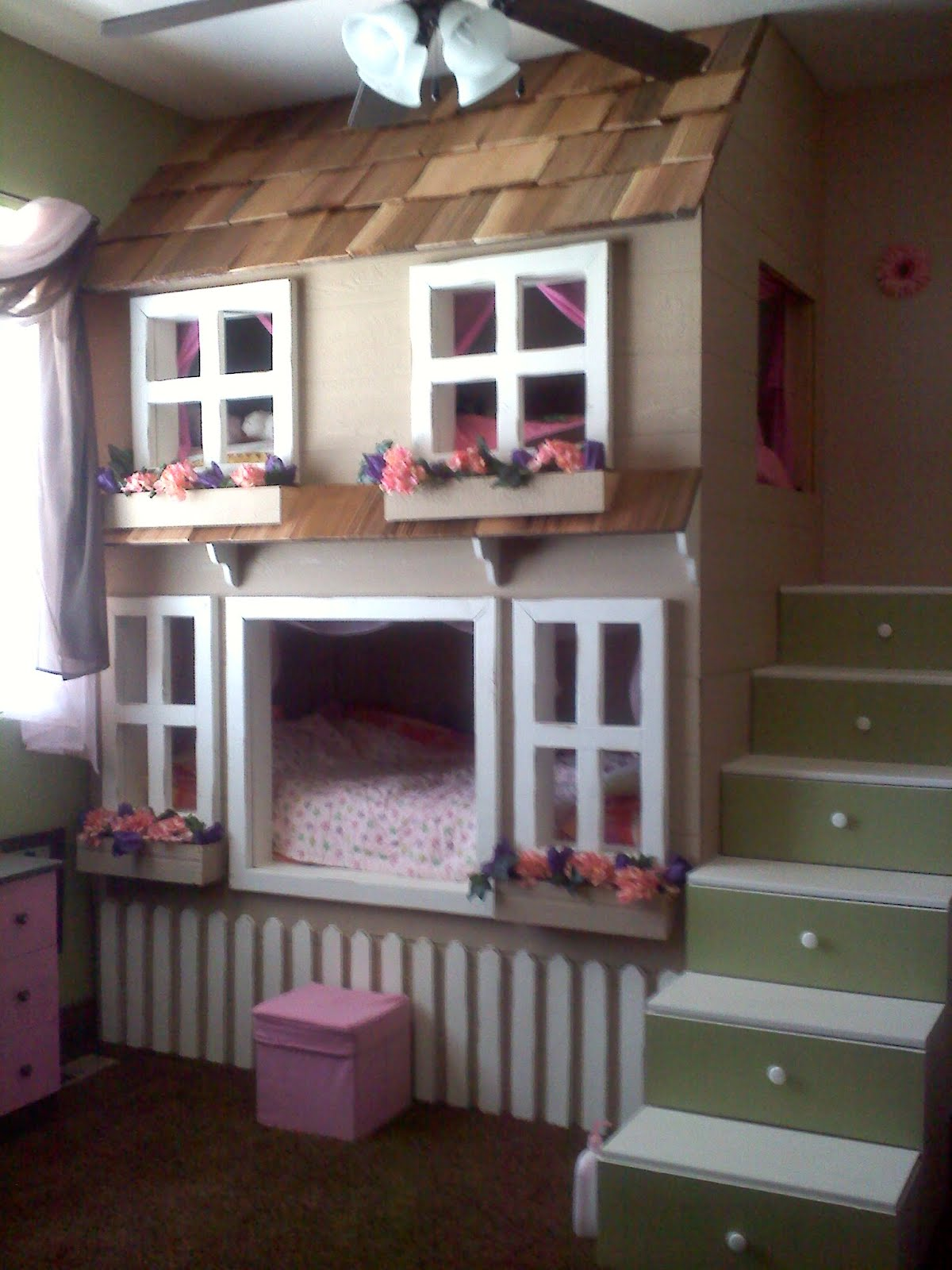 Creative Tree House Bunk Bed With Many Windows