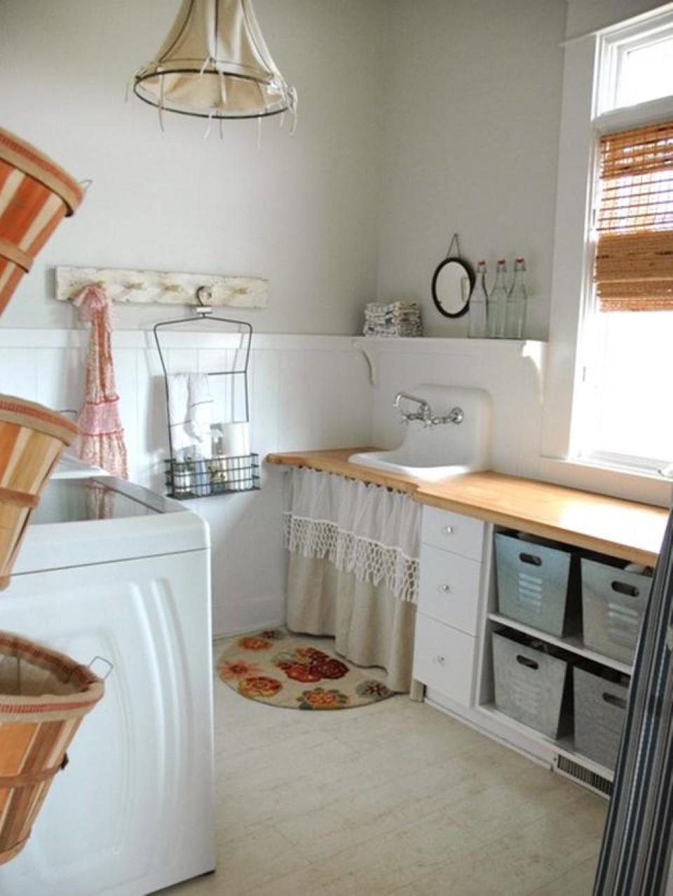 Laundry Basket Shelves: Style of Arrangement - HomesFeed on Laundry Room Shelves Ideas  id=58257