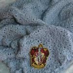 lovable soft gray harry potter throw blanket design with knite design made of wool with beautiful pattern and logo