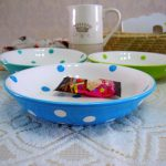 stunning blue and green polka dot dishes idea on white lace table cloth with white cattle