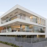 super contamporary and luxurious white small minimalist house design with open plan with architectural building