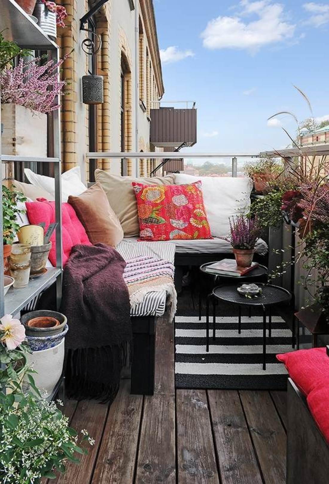 Small Balcony Furniture Option - HomesFeed