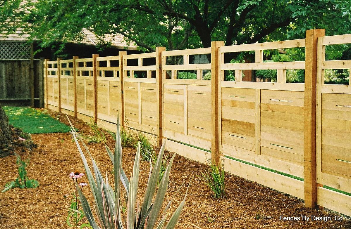 Backyard Fencing Ideas - HomesFeed on Backyard Wooden Fence Decorating Ideas id=73239