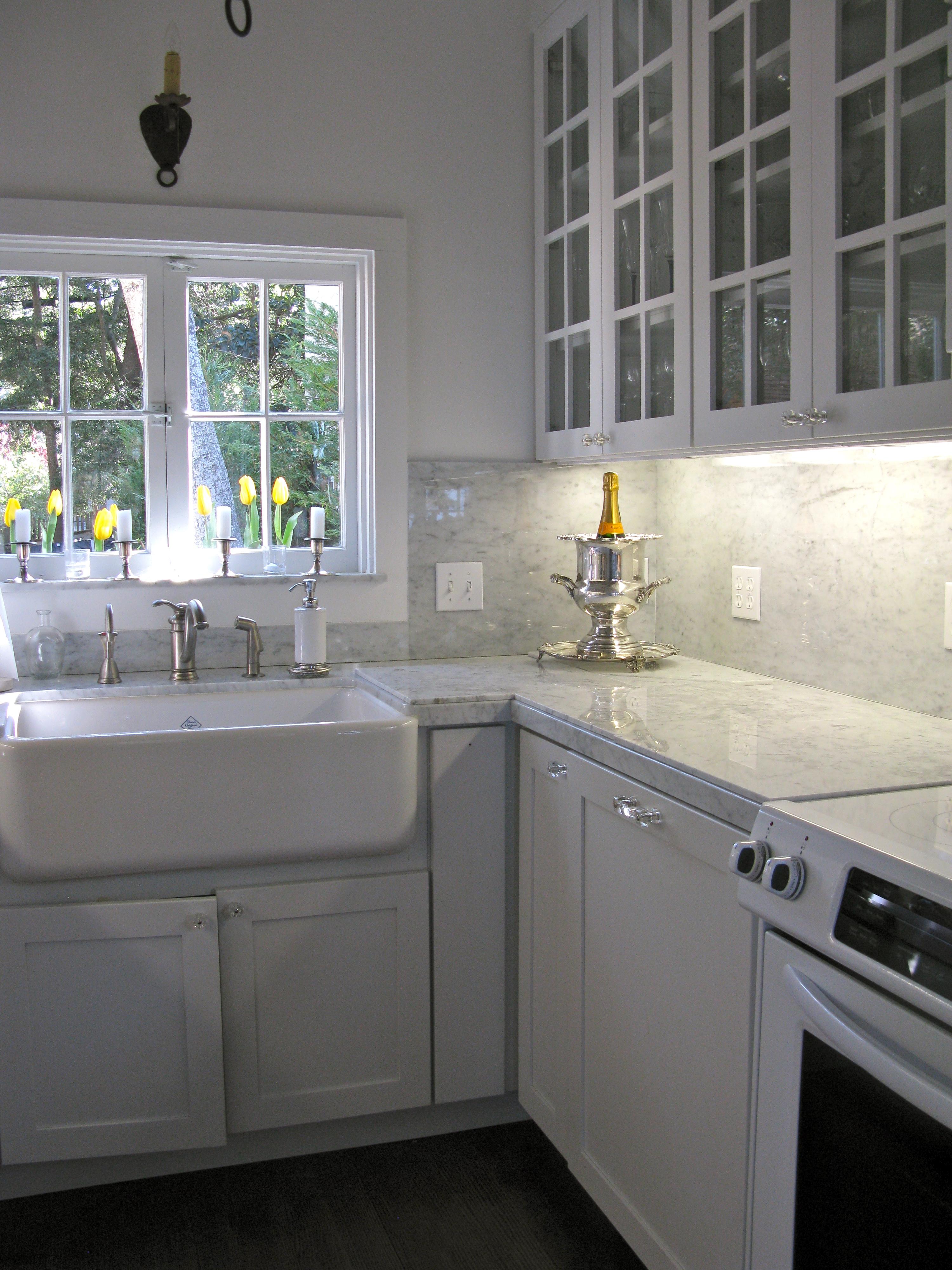 Carrara Marble Backsplash Ideas - HomesFeed