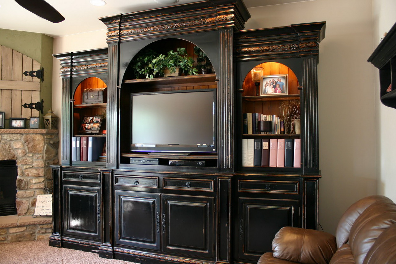 Cherry wood entertainment center homesfeed - Living room with wooden furniture ...